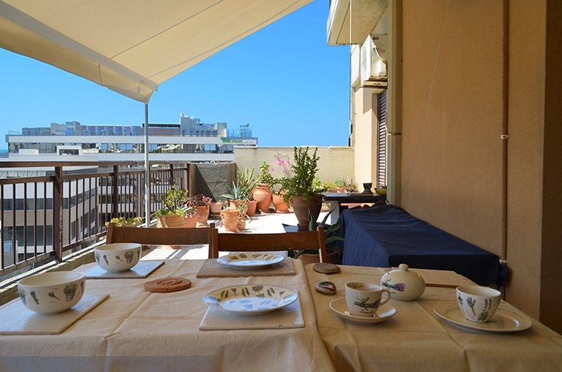 Beating Heart of City cozy Flat with View, vacation rental in Amoudara