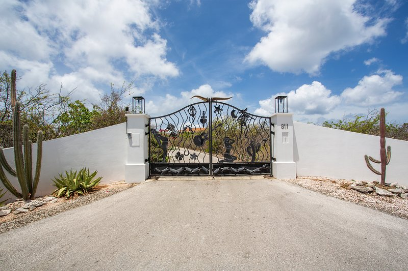 Design fence entrance villa.