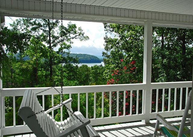 White Magnolia_Lake Chatuge, Hiawassee_Open Porches_Enchanted Mo