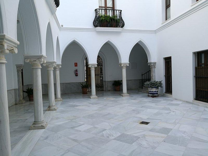 Apartamento-duplex en el centro de Sanlúcar de Bda, holiday rental in Sanlucar de Barrameda