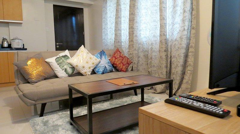 Corner Room with Balcony and Fantastic City View, aluguéis de temporada em Davao City