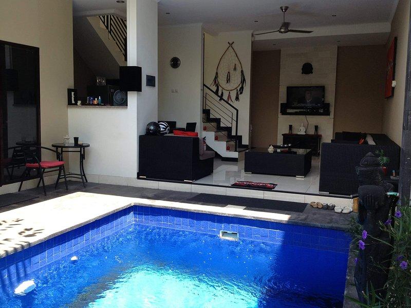 Cozy villa, vacation rental in Tuban