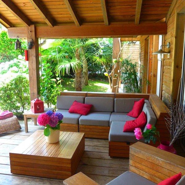 Maison atypique en bois au milieu des pins, 200m de l'océan jusqu'à 14 personnes, location de vacances à Labenne