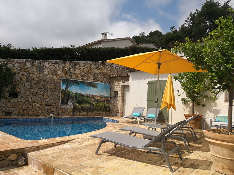 Gorgeous 3 bedroom villa in St Paul de Vence with private pool, terrace, A/C, summer kitchen, e.t.c