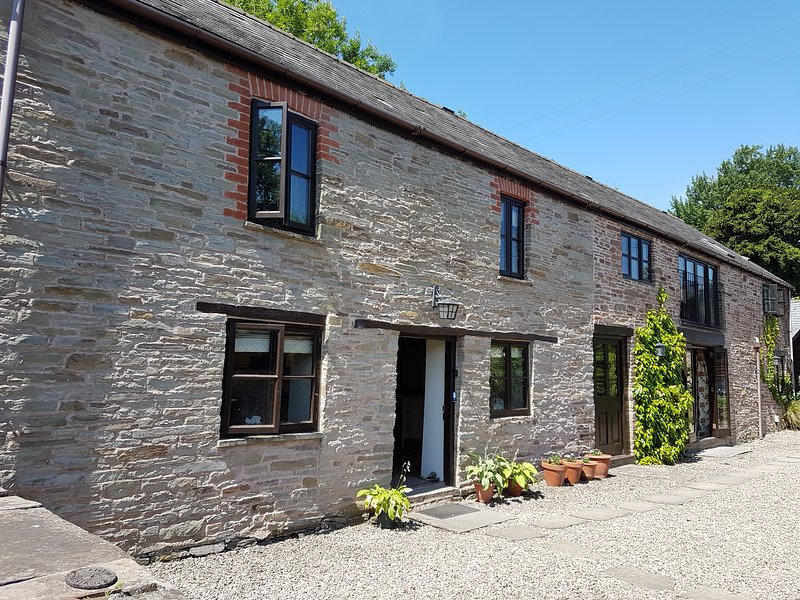 Cwm Mill - a spacious, peaceful retreat in beautiful rural Herefordshire, vacation rental in Herefordshire