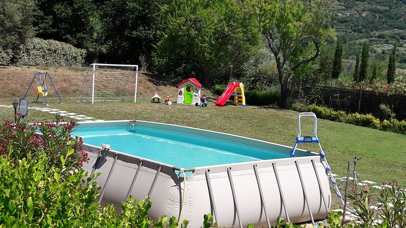 Villa Mimosa, Papavero apt with pool quiet area near sea Tropea  Capo Vaticano, holiday rental in Tropea