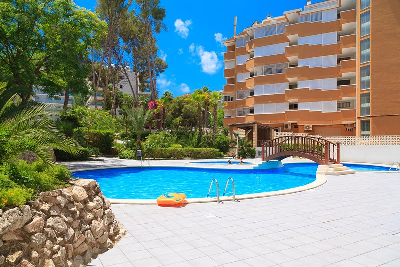 ARQUUS I 271: Apartment in the tourist center of Salou of two bedrooms!, holiday rental in Tarragona