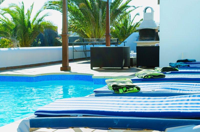 Villa Iseo - Stupenda e mozzafiato con piscina e 3 camere da letto ...