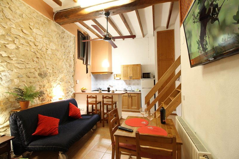 Loft rústico en Benimantell - Guadalest, vacation rental in Agost