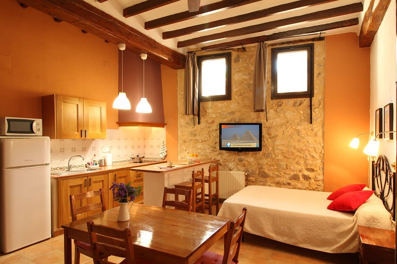 Loft con encanto en Benimantell - Guadalest, vacation rental in Agost