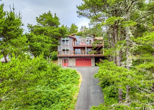 BEACH PINE~MCA 1575~ On the golf course with hot tub and great views., location de vacances à Wheeler