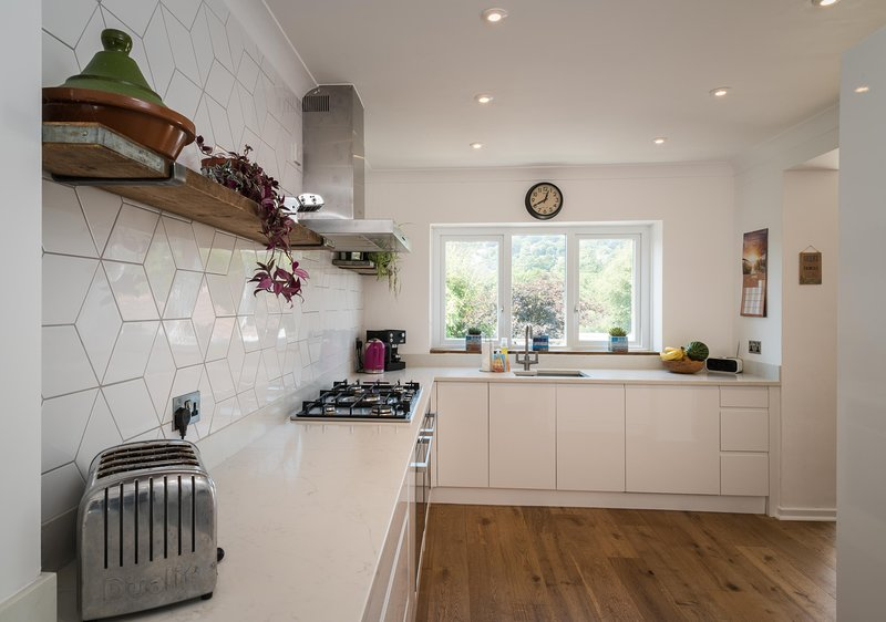 Beautiful Family home in Lyme Regis 10 minutes walk from the beach,  sleeps 6, vacation rental in Lyme Regis