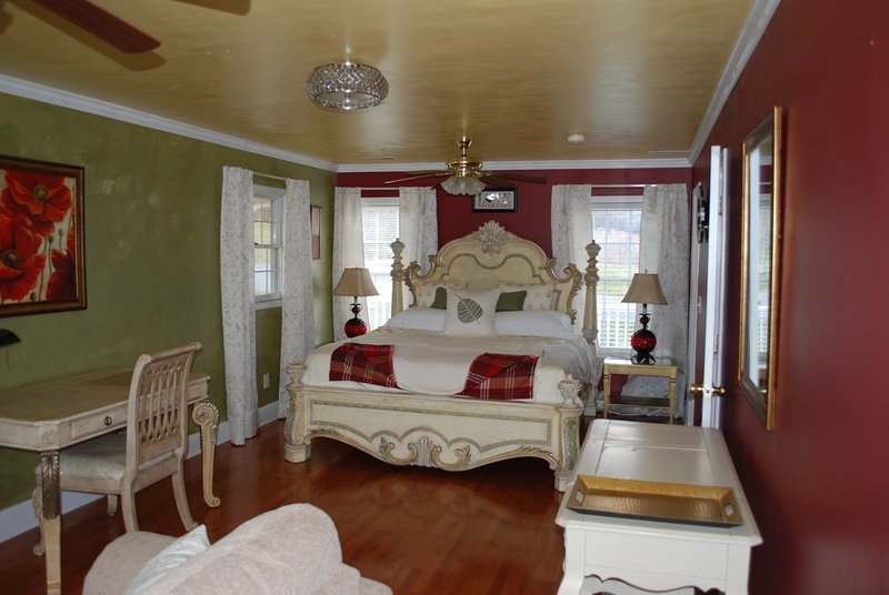 Casa de campo com folha de oliveira Lovely King Suite