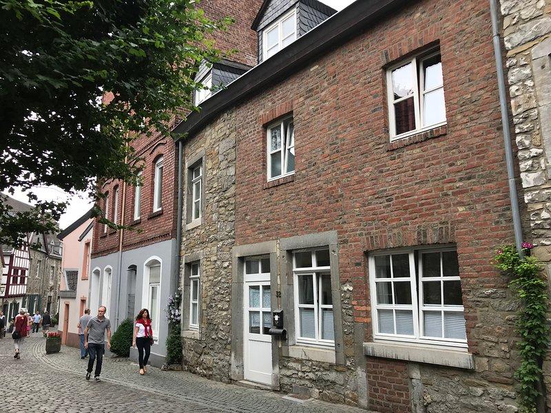 Burgstraße 32, Ferienwohnung in Eschweiler