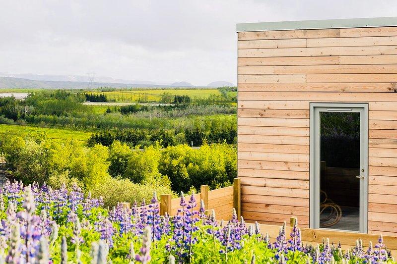 Blueberry hills villa. 15 mins from city centre and 5 mins form Reykjavik!, location de vacances à Mosfellsbaer