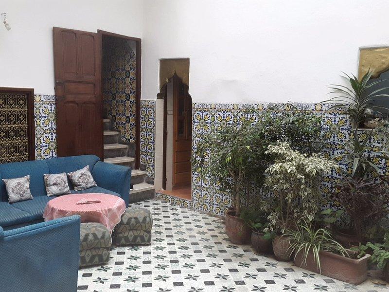 A room in a typical moroccan house in the Medina, alquiler de vacaciones en Región de Rabat-Salé-Zemur-Zaer
