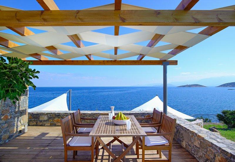 Pissidos Villa Sleeps 5 with Pool and Air Con - 5644126, vacation rental in Katsikia