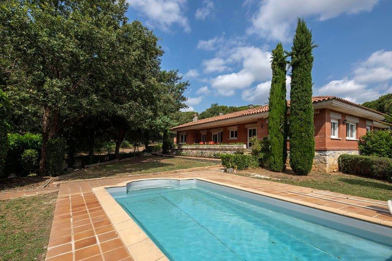 Casa con piscina en Vilobí d'Onyar, holiday rental in Cassa de la Selva