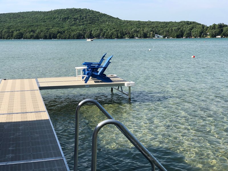 110 ft private dock w/ Chairs and Kayaks