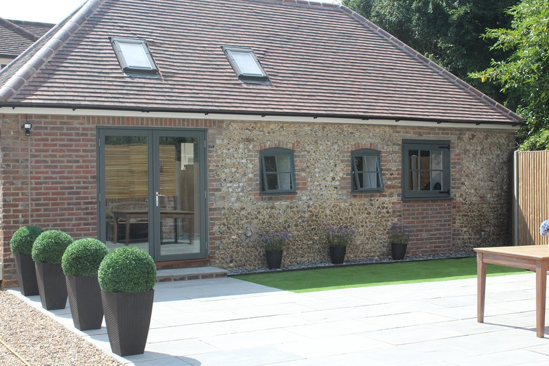 The Cottage at The Dene is between Chichester and Arundel and just three miles from Goodwood