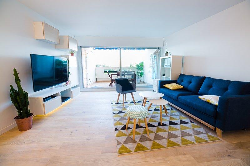 Lovely frontsea apartment, direct access to the beach., location de vacances à La Grande Motte