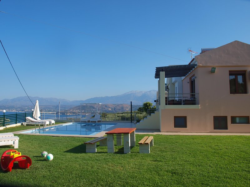 Roula II Seaview Villa, Sternes Chania, holiday rental in Sternes
