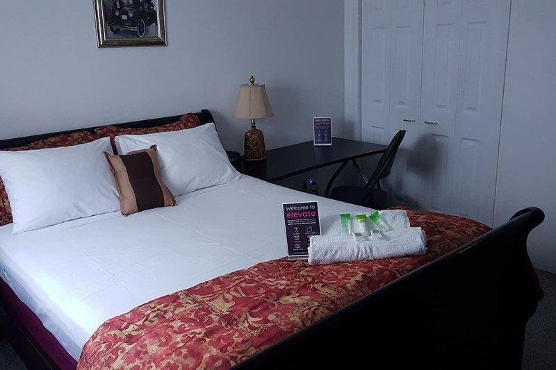 Crestview Guest House-Deluxe Room B14, location de vacances à Chapleau