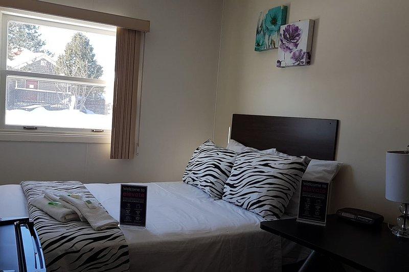 Crestview Guest House-Standard Room F03, location de vacances à Chapleau