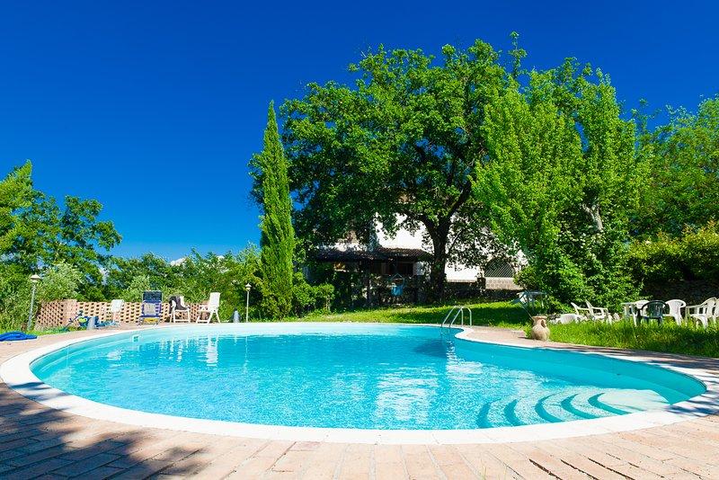 Il Rifugio Pecorella B&B Love, vacation rental in Pontelatone