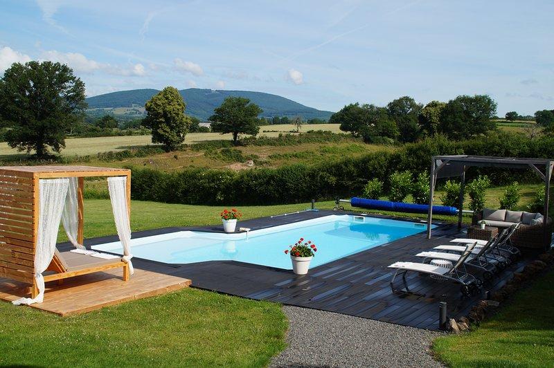 Resort de luxo com casa de férias 6p, piscina privada aquecida e jacuzzi com vista!