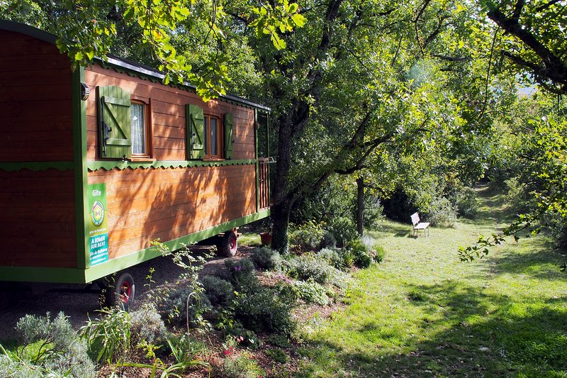 The Cabrières trailer - an unusual holiday in nature, serenity guaranteed!