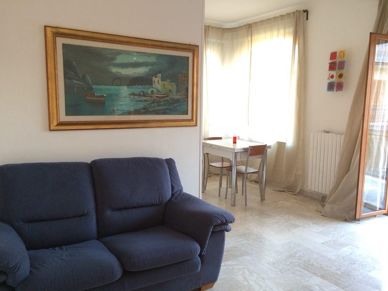 Amazing apartment near the beach, location de vacances à Pietrapaola