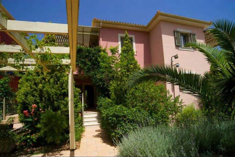 Dioni - Stamoulis Villas, vacation rental in Divarata