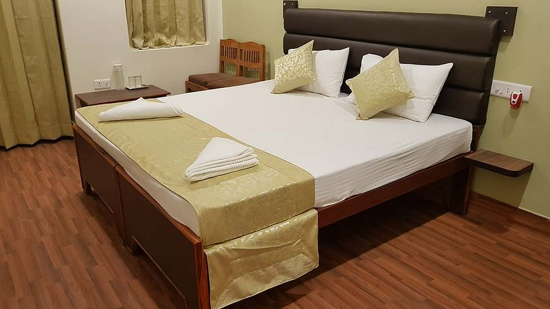 Standard Double Room 2 - Varanasi Heritage Home Stay Guest House in Budget Rate, casa vacanza a Varanasi