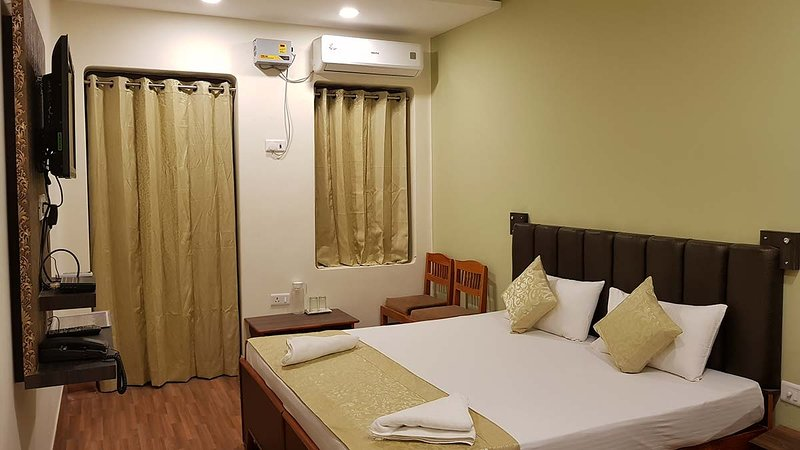 Standard Double Room 3 - Varanasi Heritage Home Stay Guest House in Budget Rate, casa vacanza a Varanasi