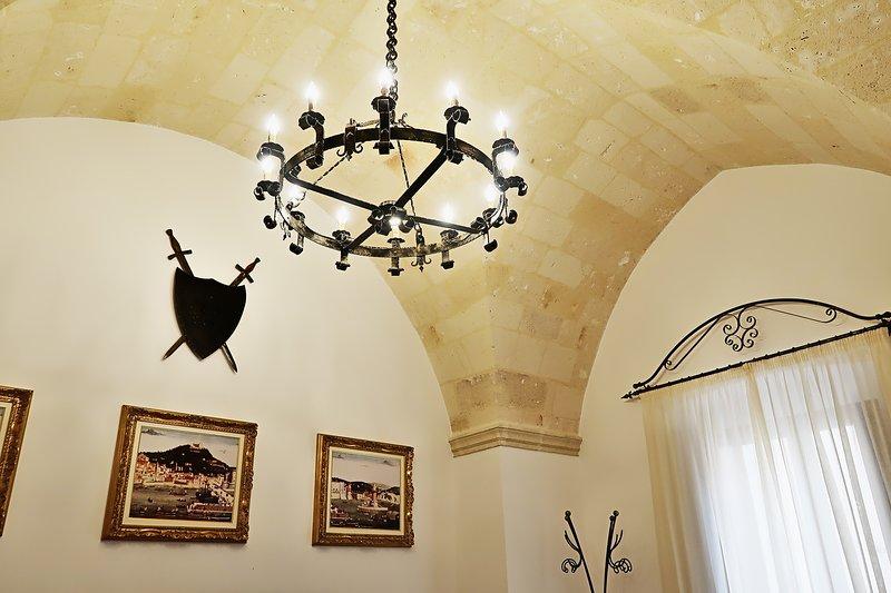 Antica Oria - La Sala delle Armi, holiday rental in Erchie