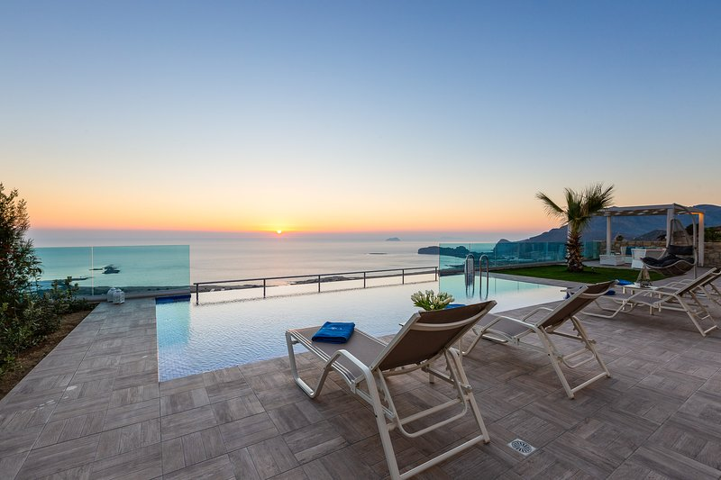 Luxury, seaview, private pool, near the beach of Falassarna / Levanda, vacation rental in Kavousi