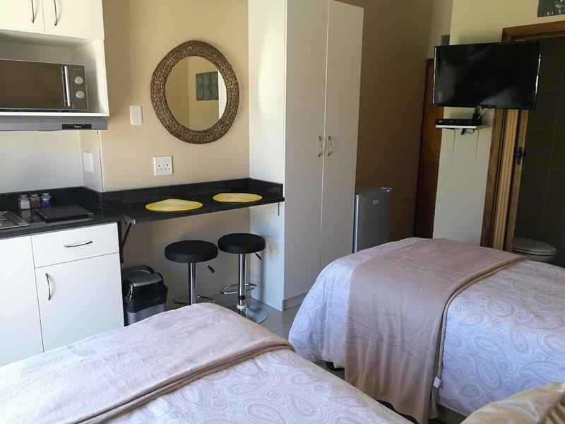 Schoenmakerskop Self-catering Apartments -  Apartment - Ground Floor, vacation rental in Clarendon Marine