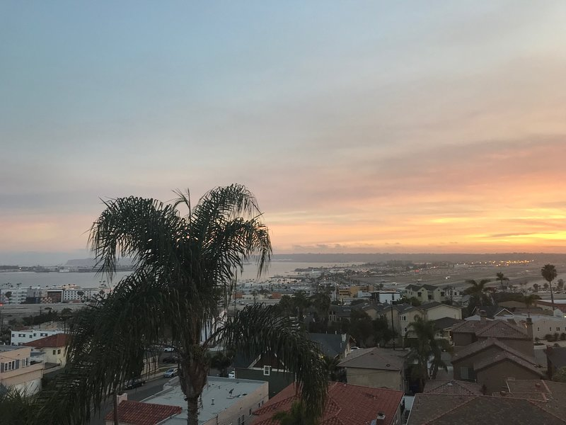 Bankers Hill and Balboa Park Downtown Penthouse - Views of Ocean & Bay, vacation rental in San Diego