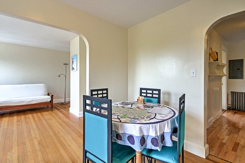 Book your next Portland Area trip to this 1-bed, 1-bath vacation rental apt!