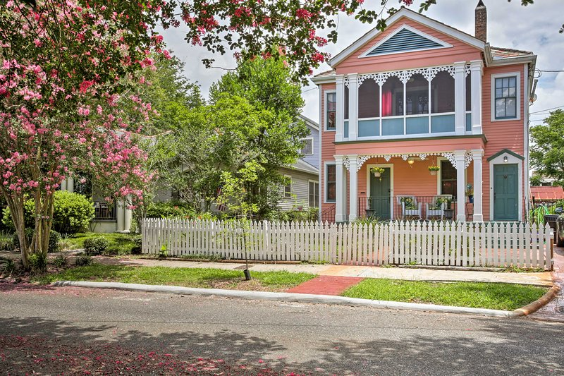 Plan your Nola getaway to this charming 3-bed, 1-bath vacation rental duplex!