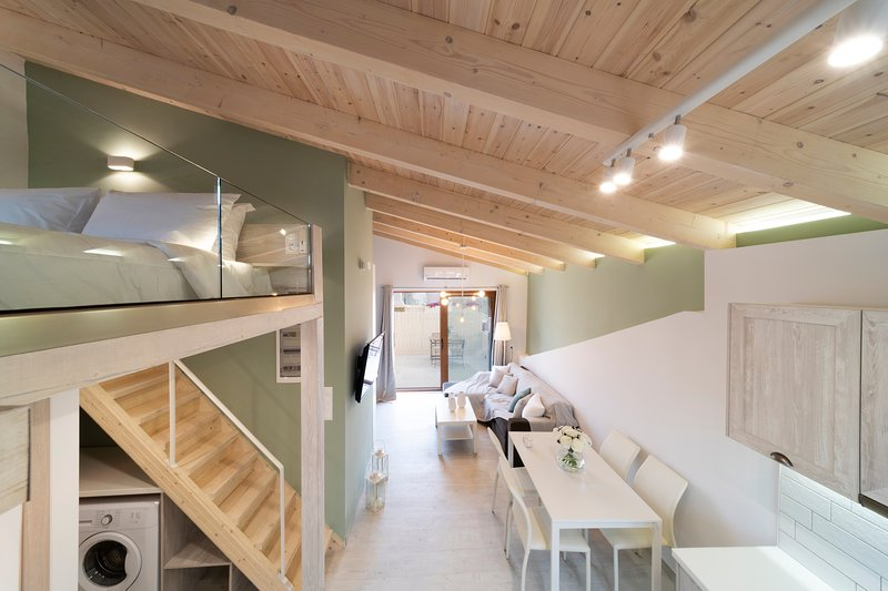 'Feels like home', The Loft., vacation rental in Rethymnon