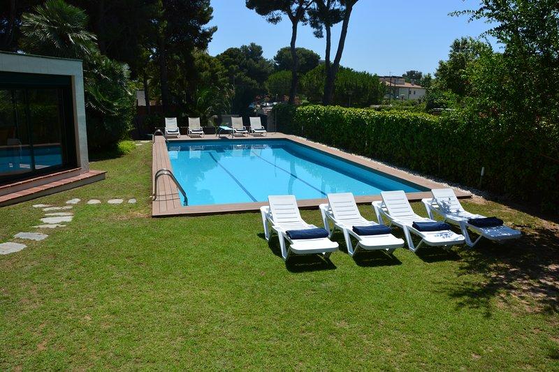 Sitges Villas Mahe: a 300 metros del mar - Piscina de día (12 m * 6 m)