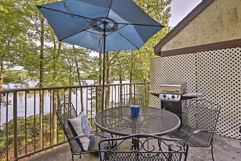 Benvenuti nella vostra residenza cittadina in affitto a Lake Harmony!