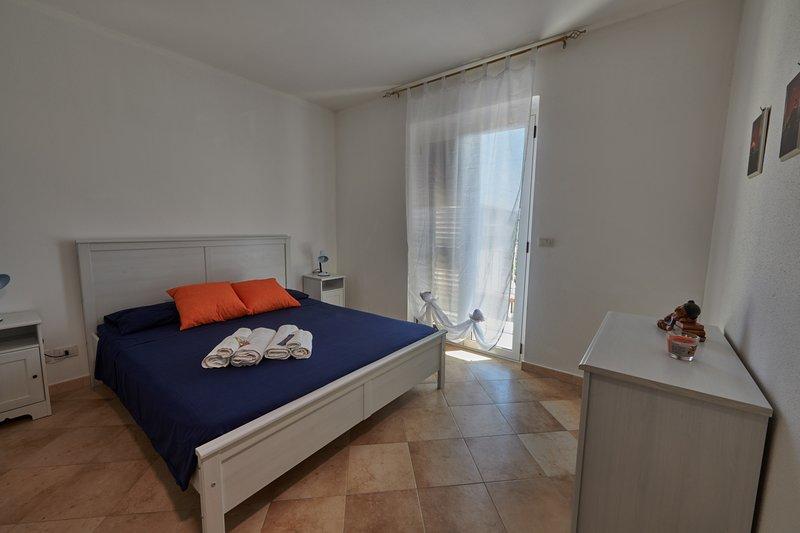 CASA MAJA 15/21/28 Appartamento 1 stanza + sogg. 4 Posti Letto Calabria Jonica, vacation rental in Santa Caterina dello Ionio
