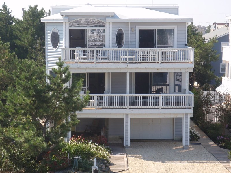 Beautiful Ocean Views, Large House, Harvey Cedars, Atlantic Ave., vacation rental in Harvey Cedars