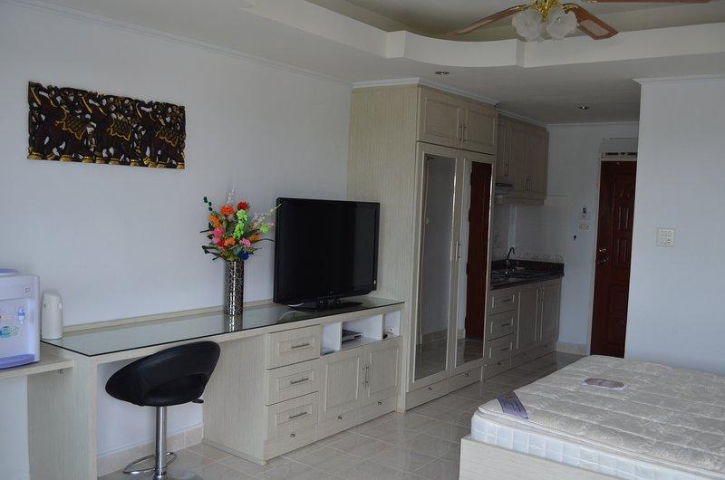 thailand-apartment 1016 (Jomtien Thip condo), holiday rental in Pattaya