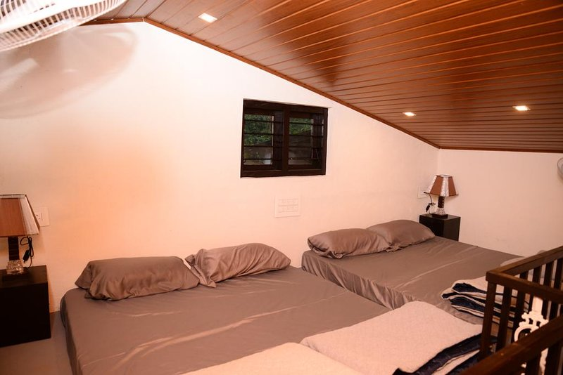 Halli Hithalu Homestay Deluxe Double or Twin Room with Mountain View, holiday rental in Aldur
