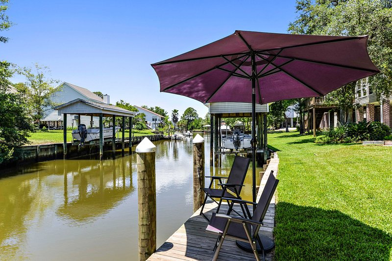 Waterfront Pass Christian Home w/ Bay Access!, holiday rental in Pass Christian