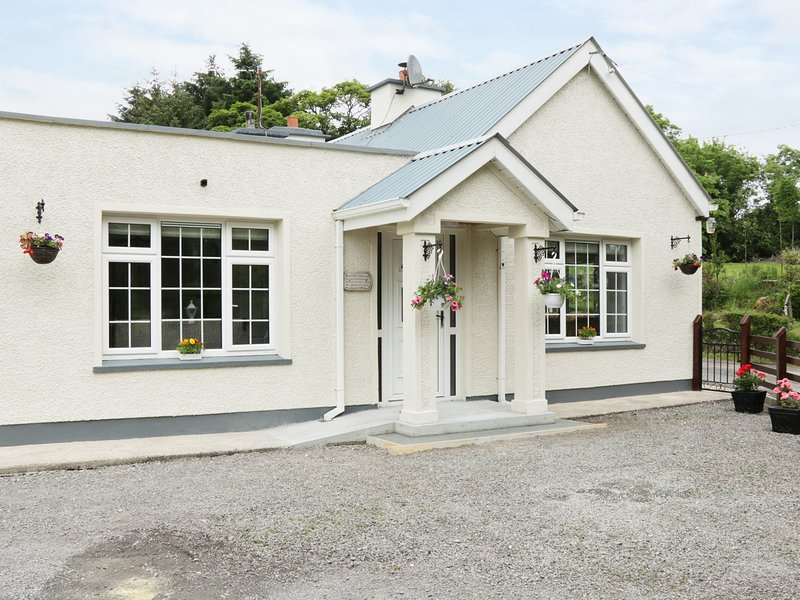HAWTHORN HIDEAWAY, spacious, modern, Province of Connacht, holiday rental in County Leitrim